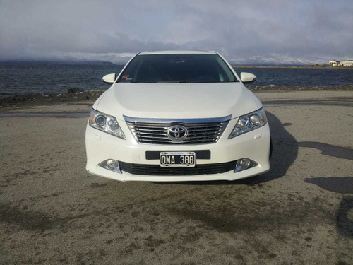 toyota camry 2.5 l4 at 55mil km no permuto