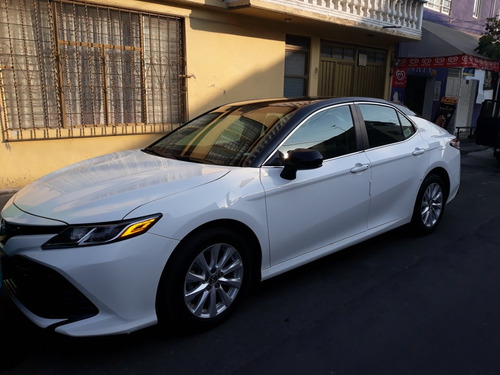 toyota camry 2.5 le at 2017
