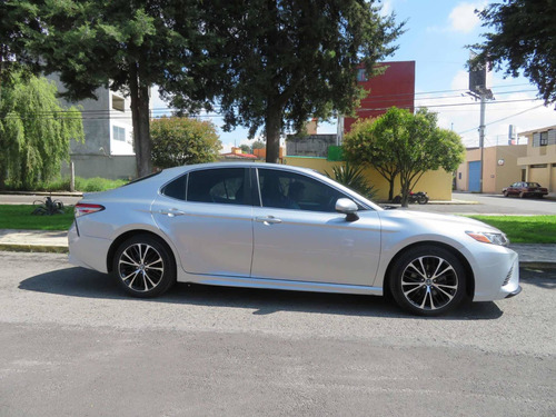 toyota camry 2.5 se at 2018