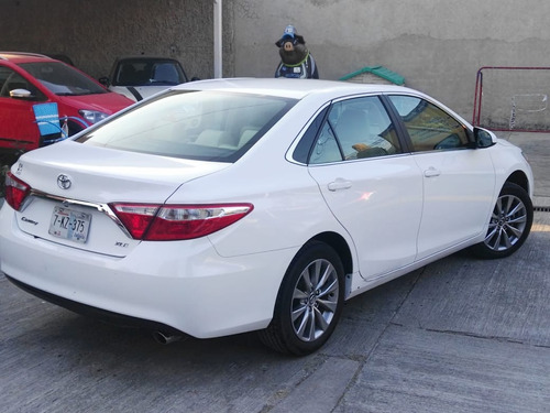 toyota camry 2.5 xle at 2017