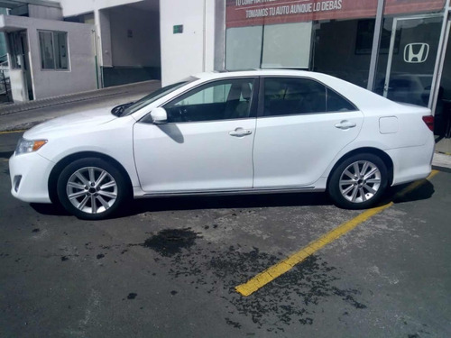 toyota camry 2.5 xle l4 aa ee qc piel nave. at 2013