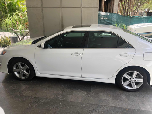 toyota camry 3.5 se v6 aa ee qc nave. at 2013