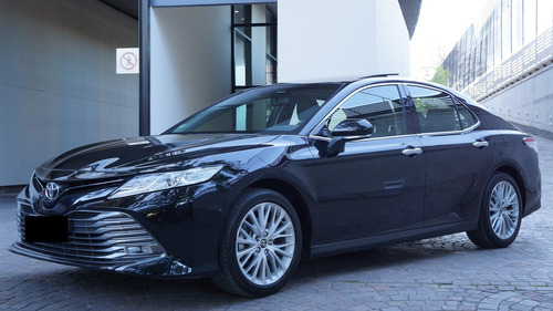 toyota camry 3.5 v6 at 2018 17.000 kms