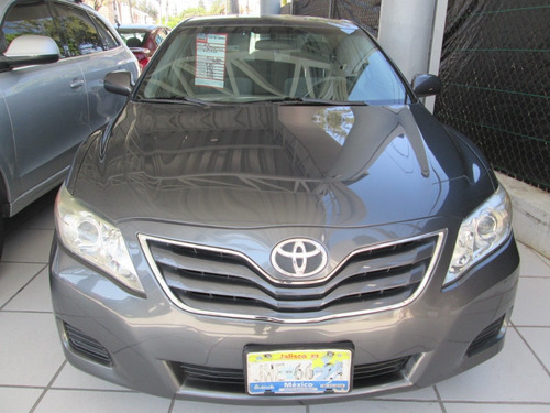 toyota camry automatico, 4 cilindros 2010 gris oxford