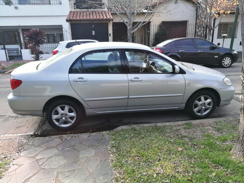 toyota corolla se-g automático 2004 gris full