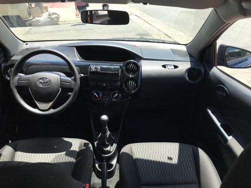 toyota etios 1.3 16v x 5p 2018 vilage automoveis