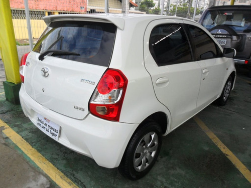 toyota etios 1.3 xs 16v flex 4p manual
