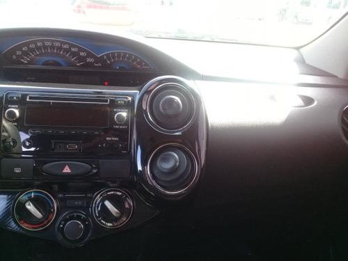 toyota etios 1.5 5pts xs car one jf