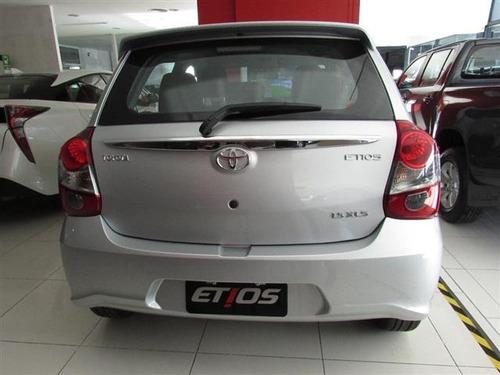 toyota etios 1.5 hatchback x