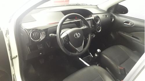 toyota etios 1.5 sedan platinum 2015