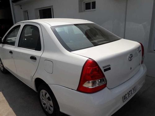 toyota etios 1.5 sedan x 2018