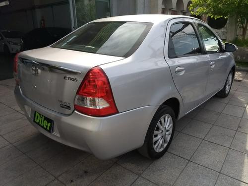 toyota etios 1.5 sedan xls 2014 4 puertas 46655831