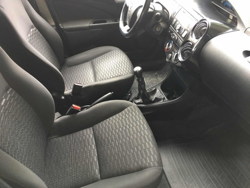 toyota etios 1.5 sedan xls 2014