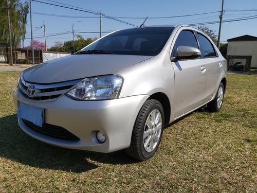 toyota etios 1.5 sedan xls 2017