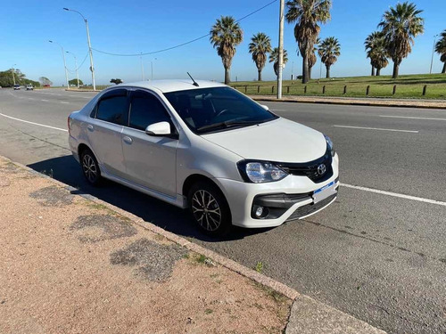 toyota etios 1.5 sedan xls 2018
