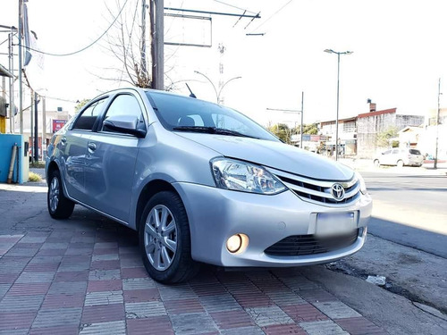 toyota etios 1.5 sedan xls at 2016