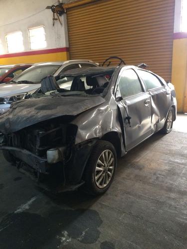 toyota etios 1.5 sedan xls chocado. transferencia incluida.