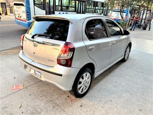 toyota etios 1.5 sedan xls l18