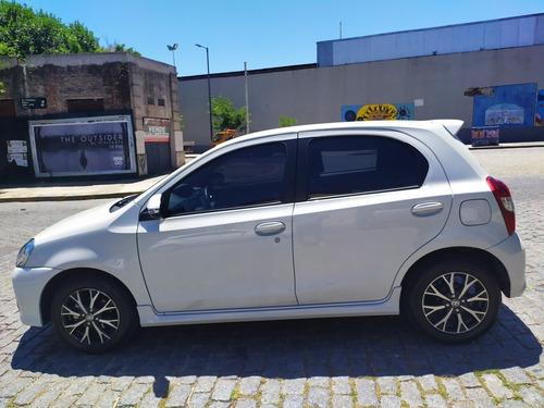 toyota etios 1.5 sedan xls my19 2018, service realizado!!!