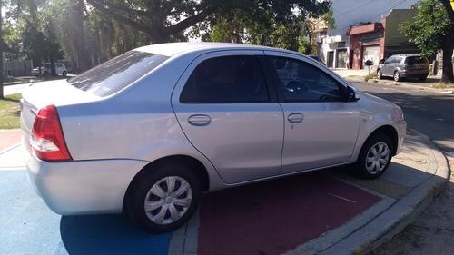 toyota etios 1.5 sedan xs 2014 ilarioautos