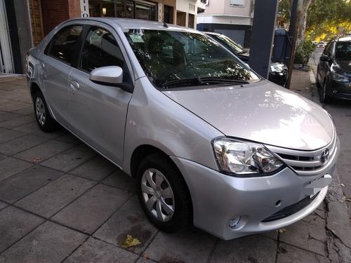 toyota etios 1.5 sedan xs 2014 sportautos