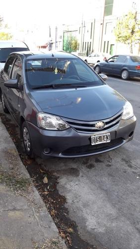 toyota etios 1.5 x 2015 5 puertas gnc 98000 km