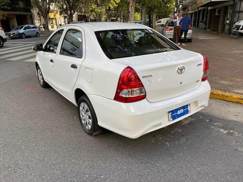 toyota etios 1.5 x 4p sedan 2019 autobaires