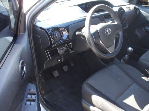 toyota etios 1.5 x sedan 16v 2017 completo faço sem entrada