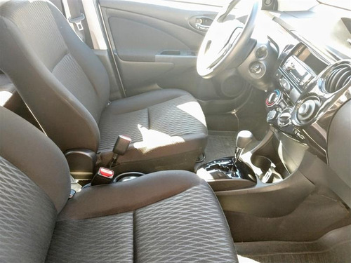 toyota etios 1.5 x sedan 16v flex 4p automático 2017/2018