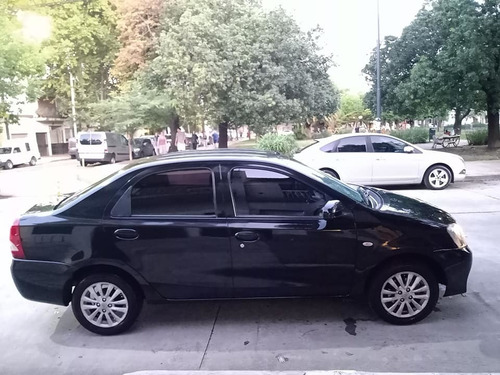 toyota etios 1.5 xls 2014 115.000 kms sedan 4 puertas al dia