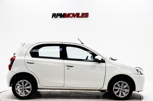 toyota etios 1.5 xls at 2016 rpm moviles showroom