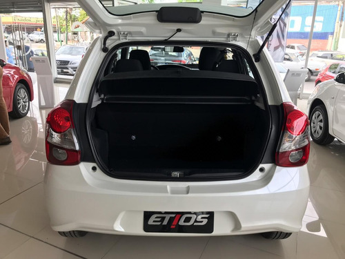 toyota etios 1.5 xls at 5p