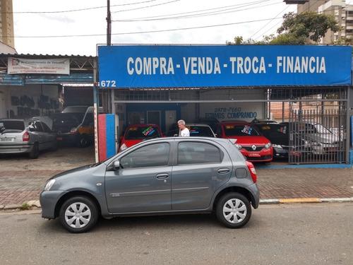 toyota etios 2014 1.3 16v x 5p - esquina automoveis