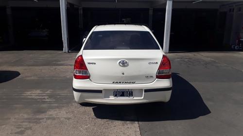 toyota  etios  2015  1.5 sedan xs
