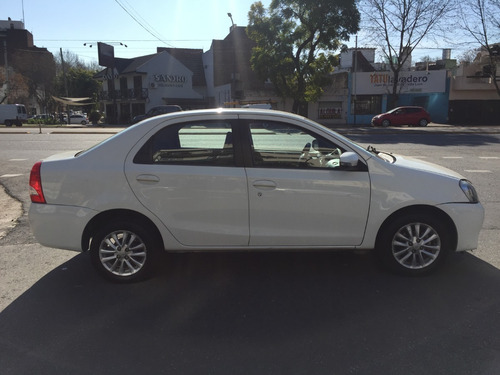 toyota etios 2015 1.5 xls sedan mt