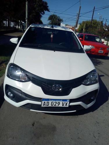 toyota etios 2018 sedan 4p xls automatic -  full-  impecable