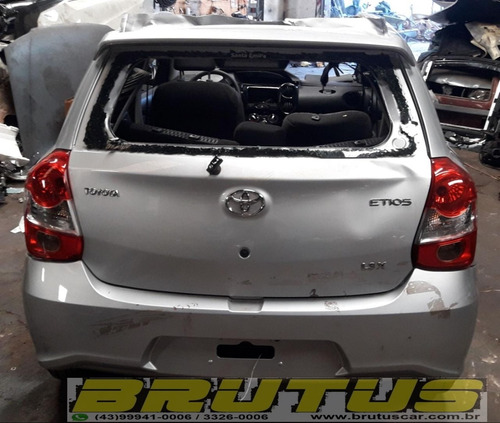 toyota etios hatch  1.3 manual  2018  sucata para pecas
