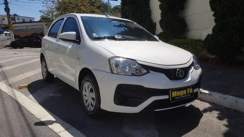 toyota etios hatch x 1.3 aut flex 4p 2018 branco completo
