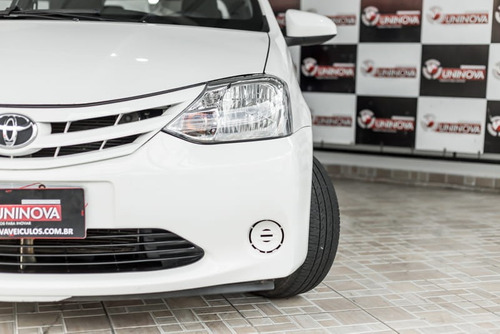 toyota etios hatch xs flex 2014