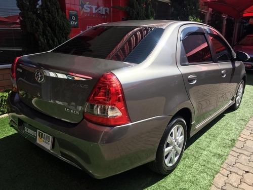 toyota etios sedan xls 2018 starveiculos