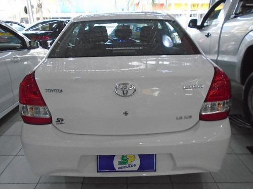 toyota etios sedan xs at 1.5 2018 - santa paula veículos