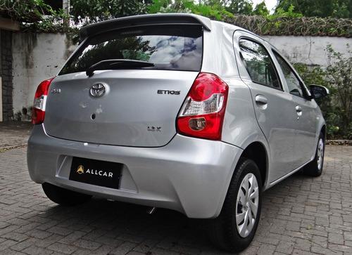 toyota etios x hatch 1.3 aut, prata 2016/17