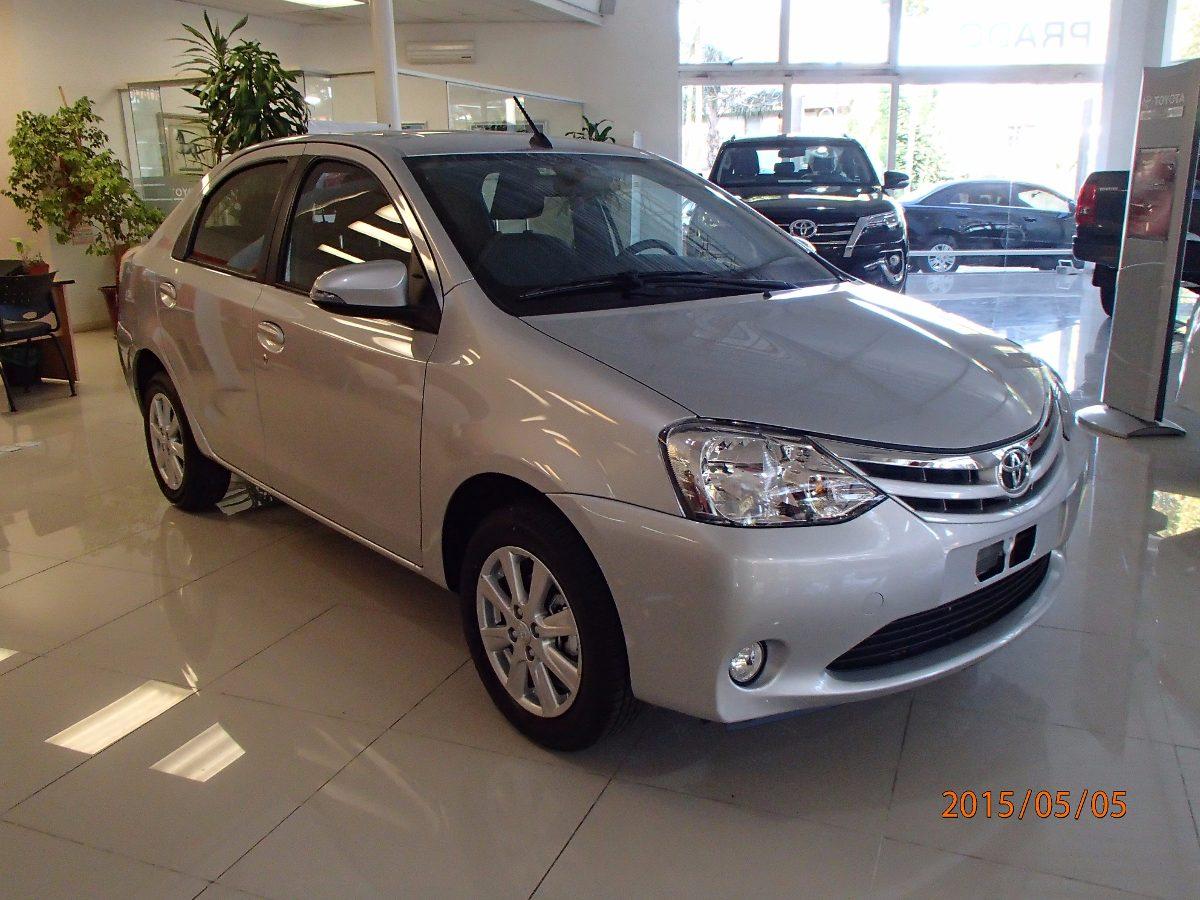 Toyota etios xls 1 5 4 puertas 0km contado sarthou 322 for 4 puertas xls 6mt