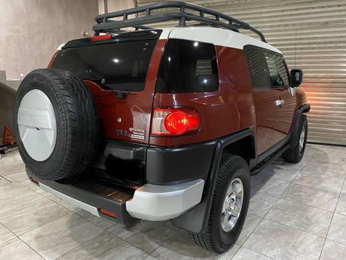 toyota fj cruiser 3p premium aa ee ra abs 4x4 at 2009
