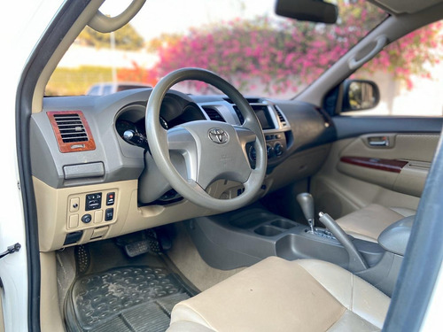 toyota fortuner  2012  automática- gasolina