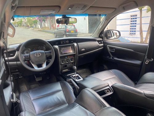 toyota fortuner 2017 gasolina 4x2 a/t full equipo