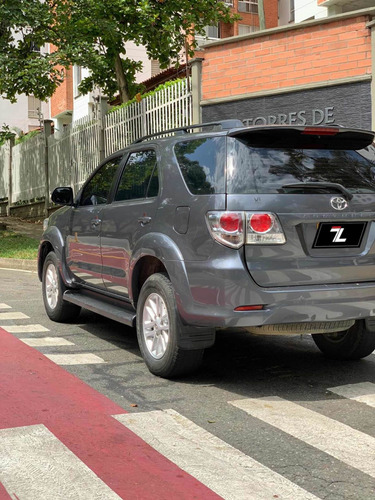 toyota fortuner 2.7 c.c. 4x4 at