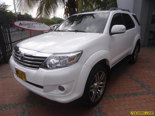 toyota fortuner 2.7l at 2700cc 4x2