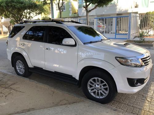 toyota fortuner 3.0 diesel 4x4 a.t 2015