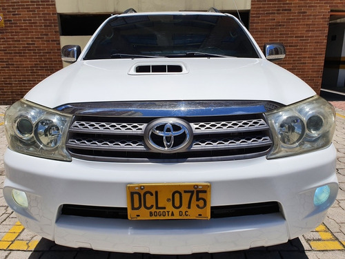 toyota fortuner 3.0 plus